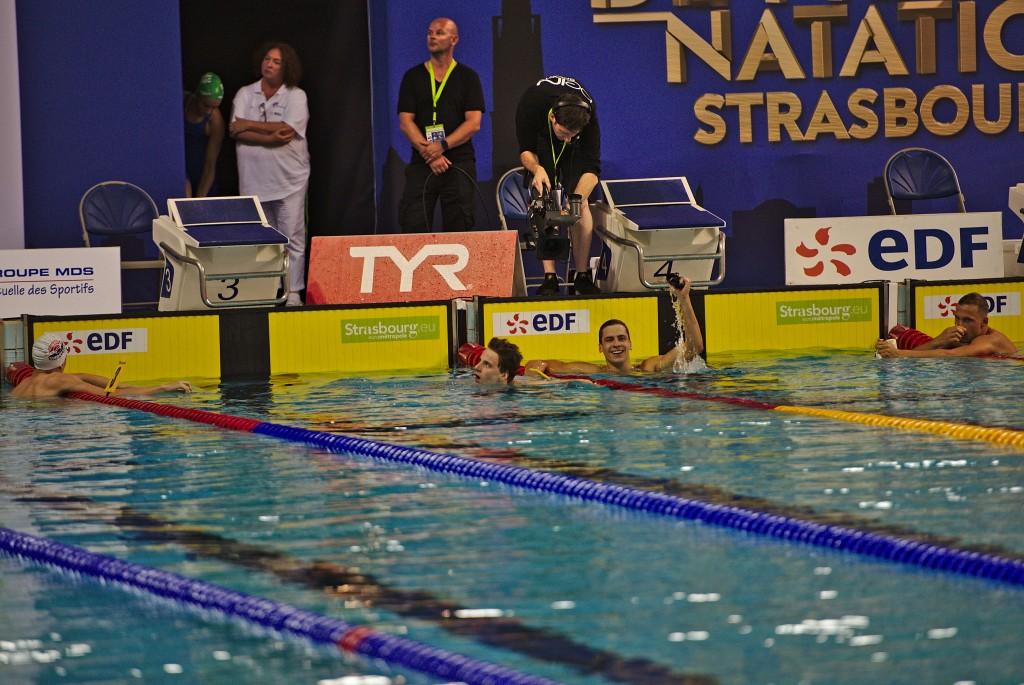 Théo Bussière asseoit sa domination sur le 100m brasse